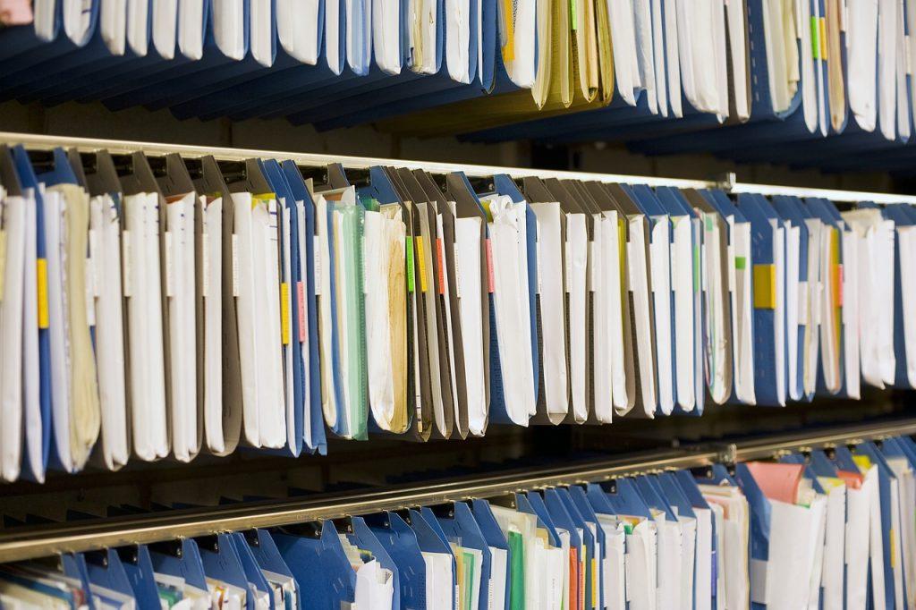 archivio cartaceo e magazzino di supporto